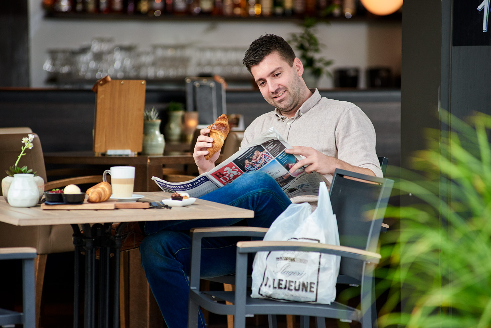 Grand-café-puur-Mercure-hotel-tilburg-centrum